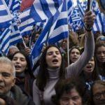 Göstericiler parlamentoya ulaştı