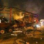 Adana'da refüje çarpan tır yandı: 1 ölü