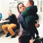 Hastanede skandal! Çocuklar ağladı doktor iskambil oynadı
