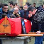 Gemi yangınında hayatını kaybedenler son yolculuğuna uğurlanıyor