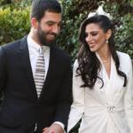Arda Turan'dan eşi Aslıhan Doğan'a yeni hediye!