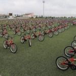 Ebeveynine sigarayı bıraktıran 500 çocuğa daha bisiklet hediyesi