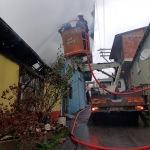 Orhangazi'de tek katlı ev yandı