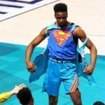 Diallo, Shaq'ın üstünden uçtu, şampiyon oldu!