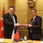 """Anadolu Üniversitesi ile """"Tazelenme Üniversitesi"""" protokol imzaladı"""