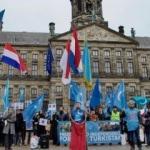 Hollanda'da Doğu Türkistan protestosu!