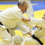 Putin'i nakavt etti! Dünya onu konuşuyor