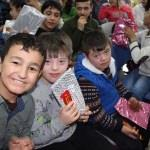 Ortaokul öğrencilerinden engellilere hediye