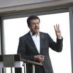 """""""İzmir değişim dalgasında sörf yapmalı"""""""