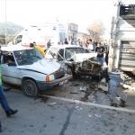 Antalya'da zincirleme trafik kazası: 3 yaralı