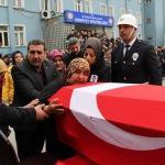 Aort damarı yırtılan polis hayatını kaybetti