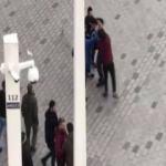 Taksim'de Arap turistle otobüsçüler arasındaki kavga kamerada