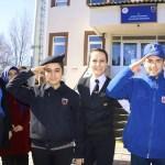 Öğrencilerden Mehmetçiğe atkı, bere ve eldiven
