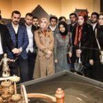 AK Parti Başkan adayı, gençleri Cezeri'nin sergisine götürdü
