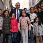 Bayram Şenocak, ev ev, kapı kapı seçmen ziyareti yaptı