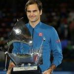 Federer'den tarihi zafer! Kupa dalyası...