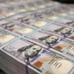 Dolar ve Euro yönünü aşağı çevirdi