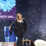 Gaziantepli kadınlar Zerrin Özer ile coştu!