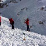 Çığ altında kalan dağcıya 100 gündür ulaşılamıyor