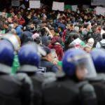 Cezayir'de orduya çağrı: Halkın taleplerine kulak verin!