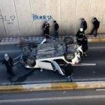 Otoyolda sıkıştırılan otomobil köprüden uçtu!