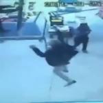 Osmaniye'de bir adam şemsiye ile uçtu!