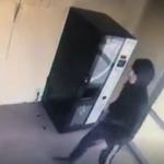 ATM'den para çeken kadın hayatının şokunu yaşadı!