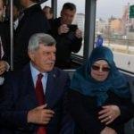 Başkanlığı devretti, evine gitmek için belediye otobüsüne bindi