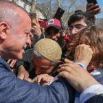 Cumhurbaşkanı Erdoğan'a İstanbul'da sevgi seli