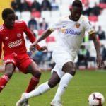 Kayserispor Sivas'ta ilk yarıda kazandı!