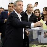 Mansur Yavaş'a belediye meclisinde büyük şok!