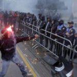 Arnavutluk'ta sokaklar karıştı!
