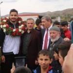 Taha Akgül'e Sivas'ta coşkulu karşılama