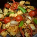Pratik güveçte türlü yemeği nasıl yapılır?