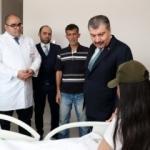 Sağlık Bakanı Koca'dan yüzü kezzapla yakılan Berfin'e ziyaret
