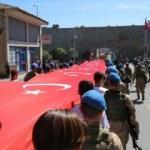 Trabzon'daki Gençlik Yürüyüşü'nden renkli kareler