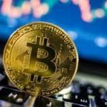 Bitcoin 9 bin doları gördü