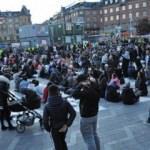 Danimarka'da çirkin provakasyon: İftar vakti Kur'an yaktılar