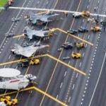 Savaş uçaklarını otobana indirip füzeleri yüklediler