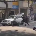 Vietnam'da 5 kişi 2 kişiyi öldüresiye dövdü!