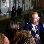 Avustralya'da polis, devlet televizyonunu bastı!