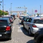 Çanakkale'de feribotlarda tatil dönüşü yoğunluğu