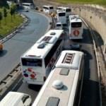 Esenler Otogarının girişinde uzun otobüs kuyruğu
