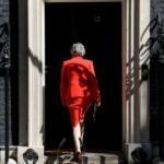 İngiltere Başbakanı May parti liderliğini resmen bıraktı