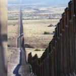 Meksika sınıra asker yığıyor!