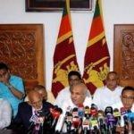Müslüman bakanlar toplu şekilde istifa etti