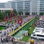 İBB çalışanları CHP adayı İmamoğlu'nu protesto etti