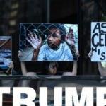 Trump'a doğum günü protestosu!