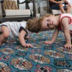 Kafadan yapışık siyam ikizleri 1 yaşında
