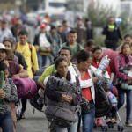 Göçmenler Meksika duvarına çarptı! Gözaltına alındılar